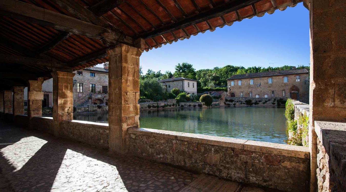 Agriturismo siena con piscina e appartamenti agriturismo renaccino - Agriturismo bagno vignoni ...
